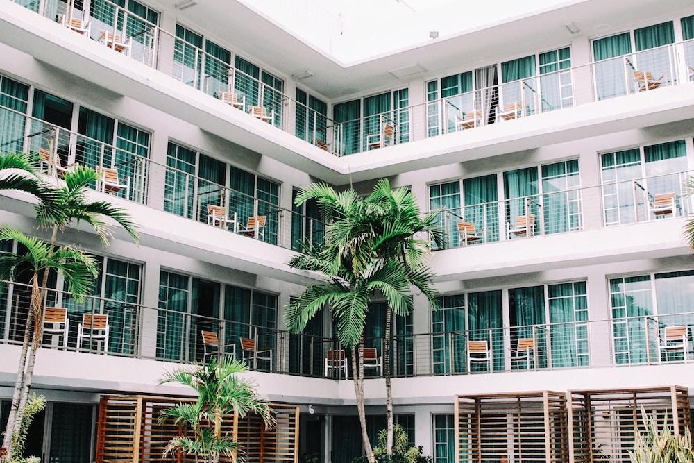 airbnb über business